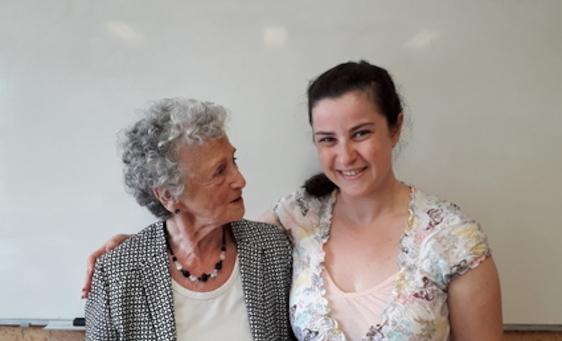 Primeur: Holocaustoverlevenden geven duogastlessen met vluchtelingen